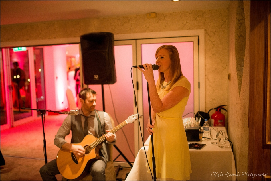 Gibbon-Bridge-Hotel-Acoustic-Wedding-Band-Photography